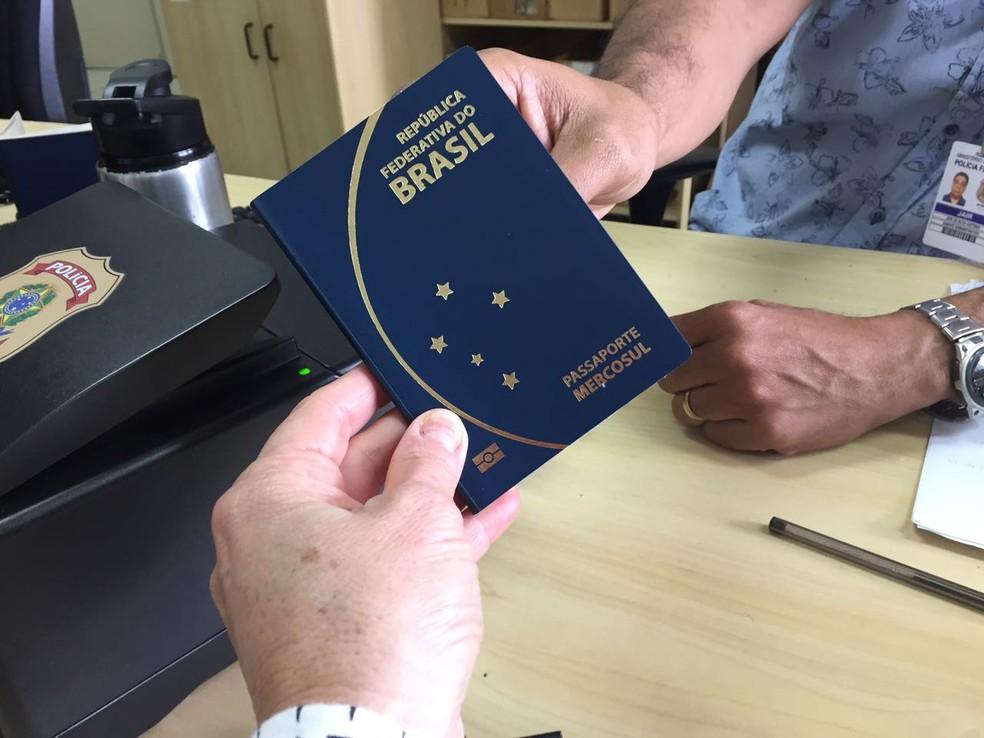 Após a instituição da nova medida, não será mais obrigatório ir à Polícia Federal para fazer passaporte (Foto: Márcia Callegaro/G1)