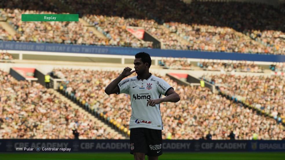 Jô, do Corinthians, comemora gol no PES 2021 — Foto: Reprodução