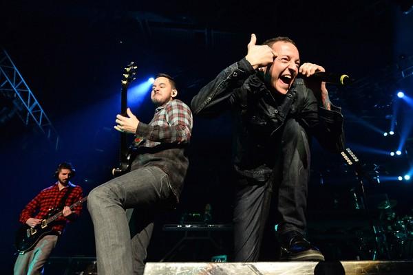 O cantor Chester Bennington com seus colegas de Linkin Park (Foto: Getty Images)