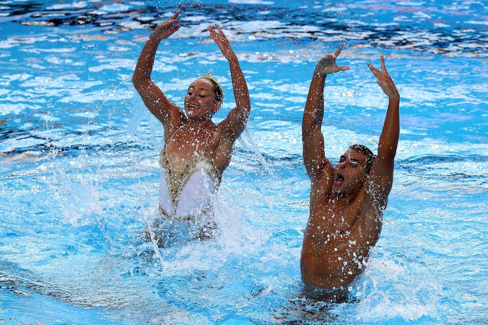 Renan Alcantara e Giovana Stephan fazem o dueto misto do Brasil no nado sincronizado — Foto: Satiro Sodré/SSPRESS/CBDA