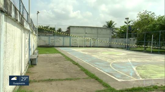 Adolescente morre eletrocutado quando jogava futebol na quadra de escola de Nova Iguaçu