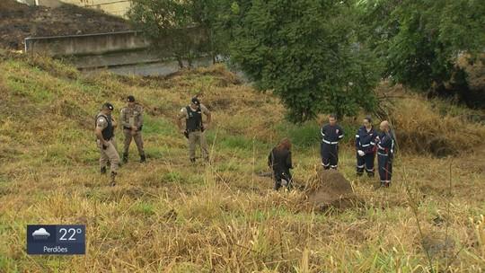 Corpo de homem é encontrado em matagal no Jd. Bela Vista, em Poços de Caldas, MG