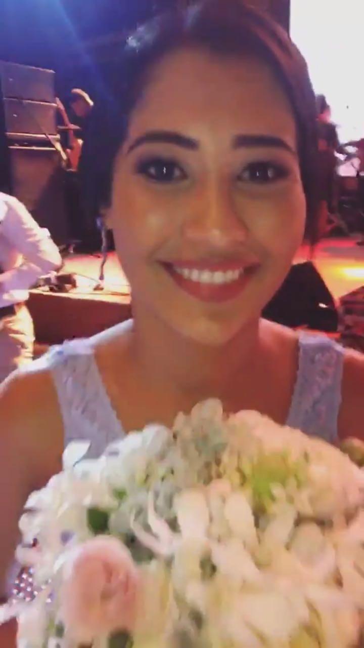 Thaynara OG pega o buquê de Luísa Sonza (Foto: Reprodução/Instagram)