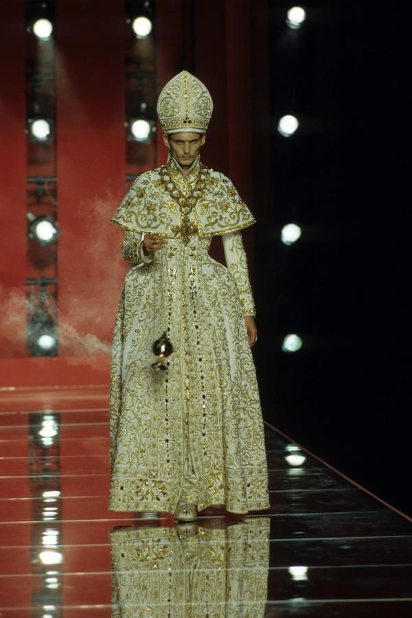 Dior - inverno 2000 alta-costura (Foto: Vogue Runway)
