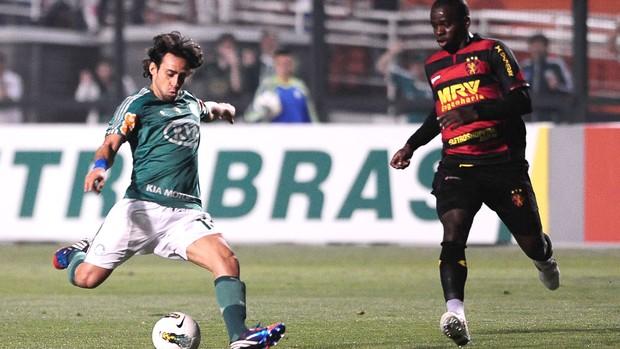 Valdivia, Palmeiras e Sport (Foto: Marcos Ribolli / Globoesporte.com)