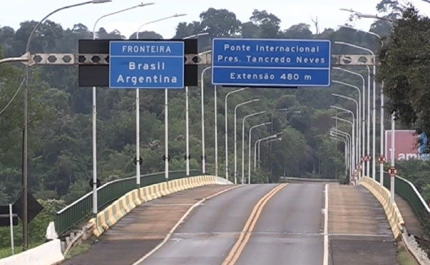 Governo argentino anuncia possível reabertura das fronteiras com Brasil a partir de outubro