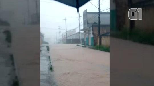 Chuvas causam alagamentos em cidades da região neste sábado