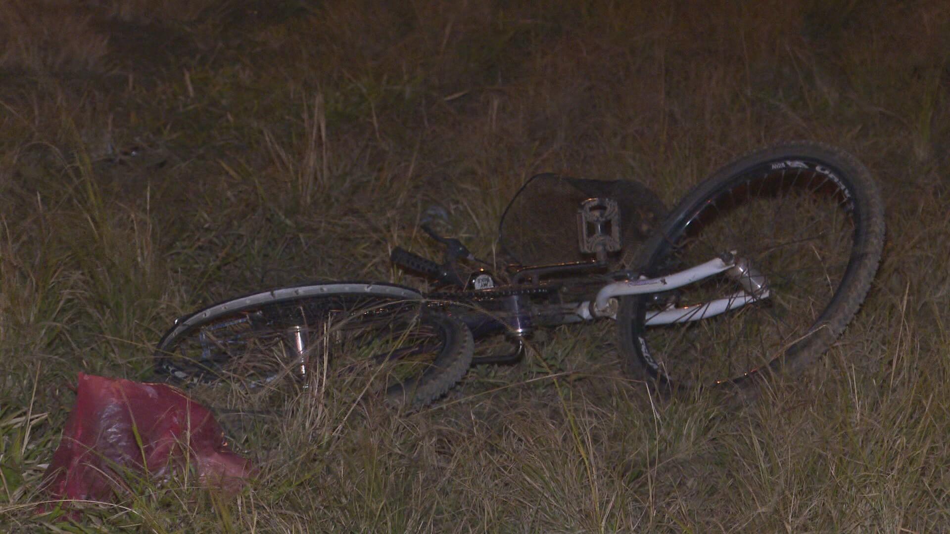 Motorista com sinais de embriaguez atropela e mata dois garis em rodovia no DF