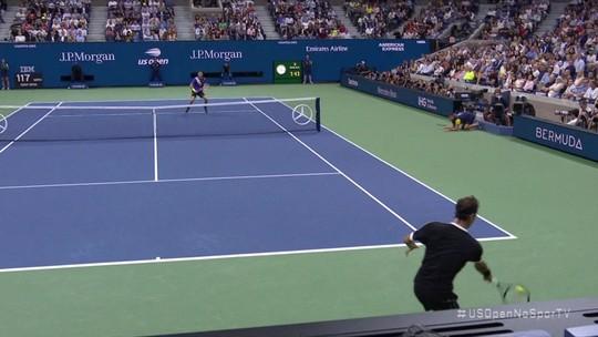 Dimitrov surpreende Federer com virada emocionante e vai à semifinal do US Open