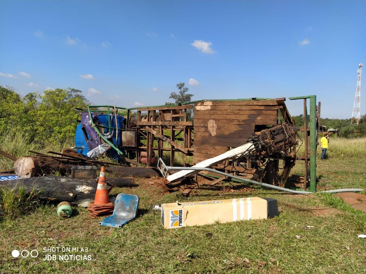 Colisão entre três veículos deixa motorista ferido na Rodovia Adhemar de Barros, em Campinas