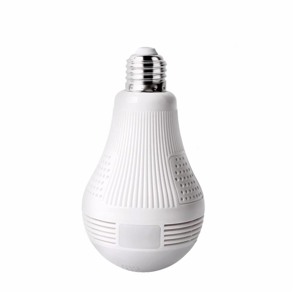 Lâmpada espiã tem microfone bilateral, onde usuário pode ouvir e se comunicar com quem está no ambiente — Foto: Divulgação/VRCAM