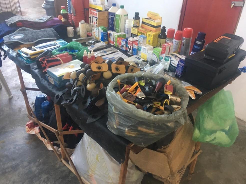 Equipamentos e remédios foram apreendidos — Foto: Divulgação