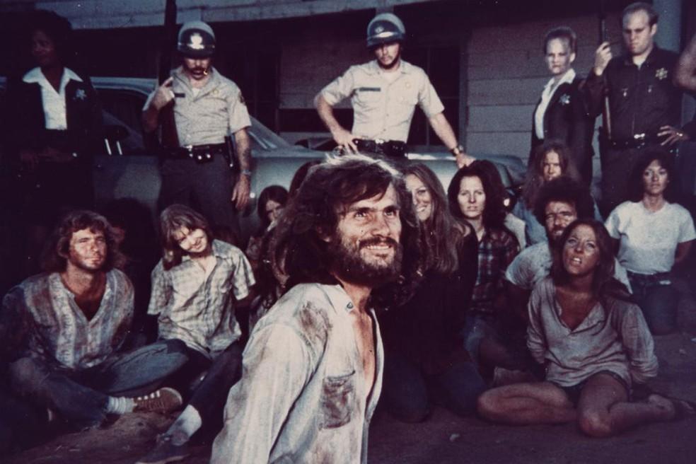Steve Railsback como Charles Manson em cena do filme 'Helter Skelter' (1976) (Foto: Divulgação)