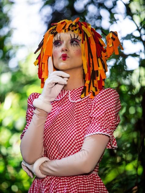 Isabelle Drummond reviverá a Emília do 'Sítio do Picapau Amarelo' em 'Verão 90' (Foto: Globo/Fabiano Battaglin)
