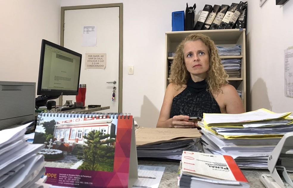 Promotora da 3ª Vara Criminal do Ministério Público de Pernambuco (MPPE), Henriqueta de Belli (Foto: Thays Estarque/G1)