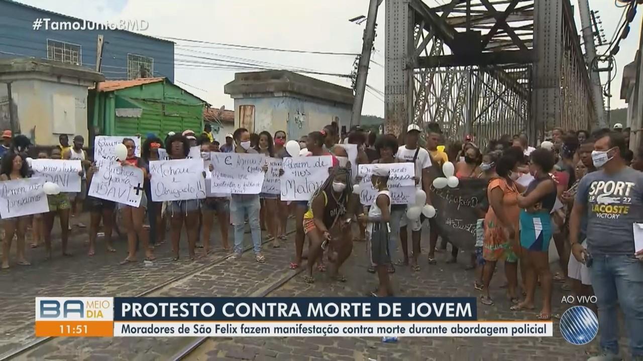 Moradores de São Félix fecham ponte em protesto contra morte de jovem durante ação da PM