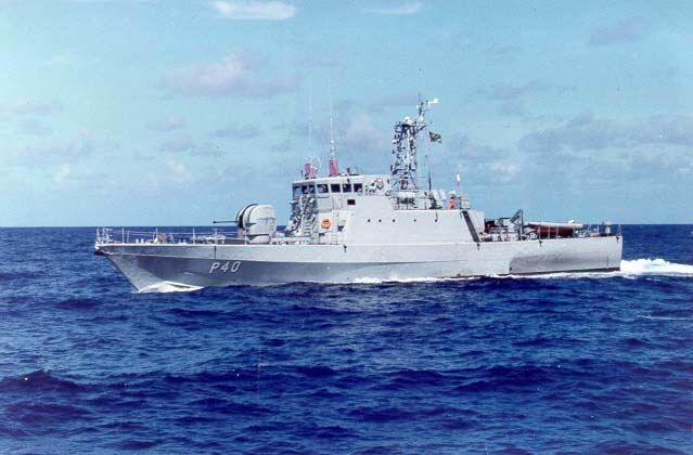 Jangada com duas pessoas é resgatada no mar de Fortaleza após dois dias desaparecida