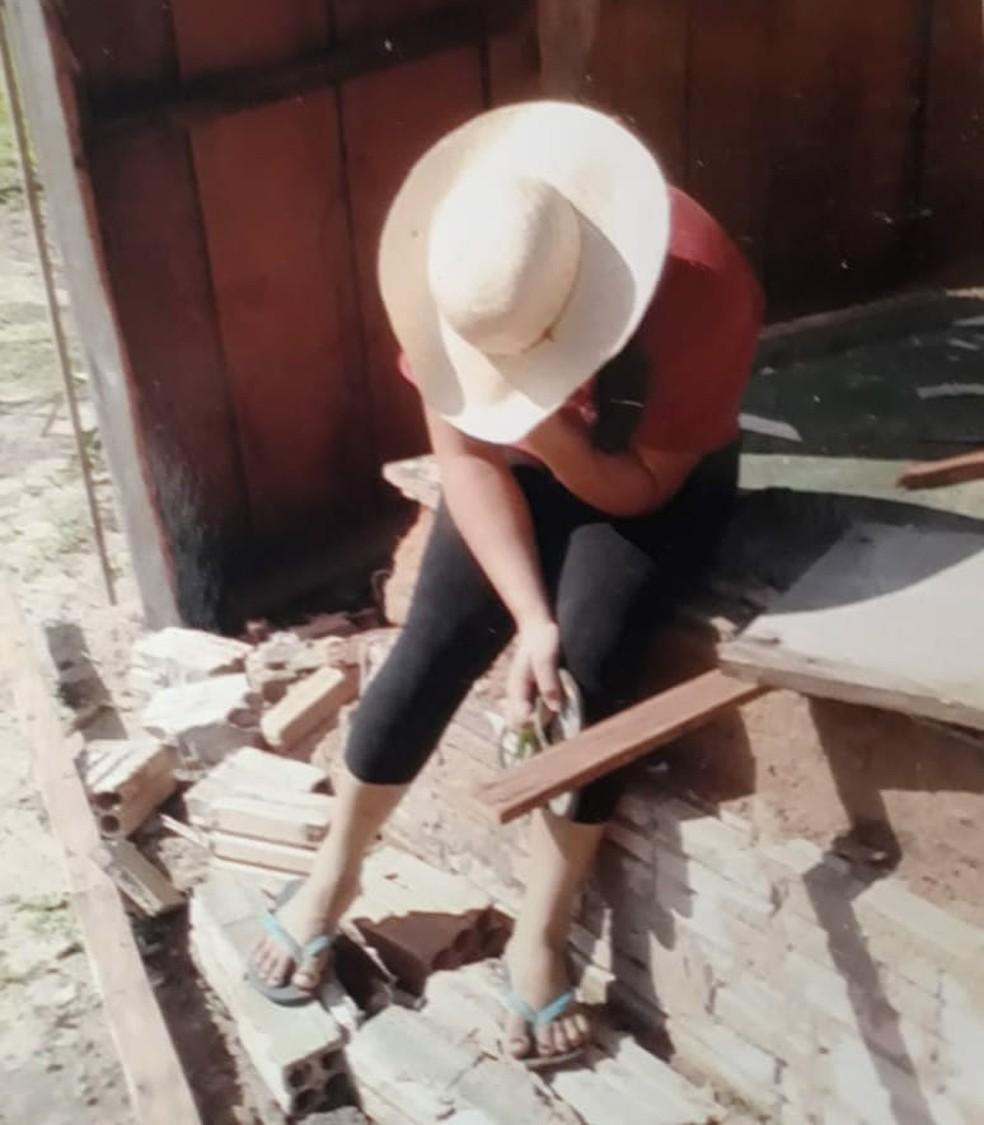 Agricultora perdeu terra em 2011 e faz parte dos acampados em MT — Foto: Assoplan