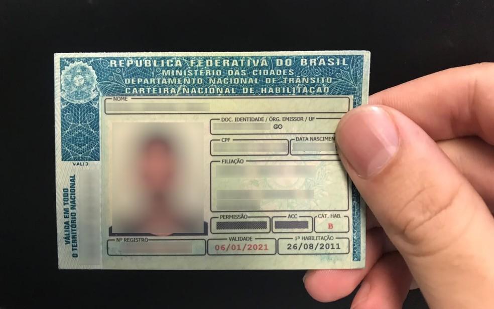 CNH Social está disponível para 2 mil pessoas em Goiás — Foto: Vitor Santana/G1