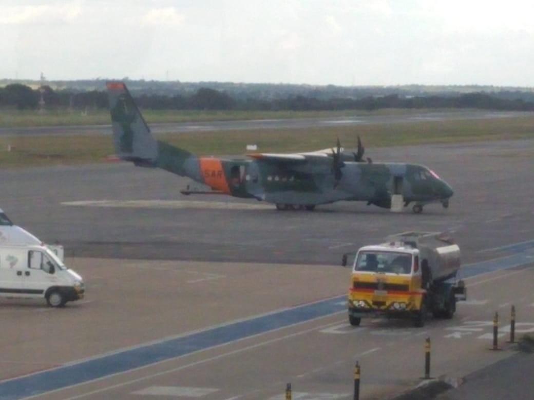 Avião da FAB que seguia do AM para MS faz pouso de emergência em MT após princípio de incêndio