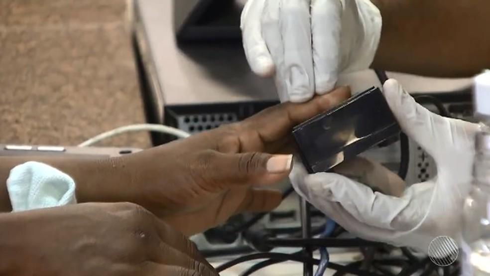 Eleitores de Salvador devem fazer recadastramento biométrico até o dia 31 de janeiro (Foto: Reprodução/ TV Bahia)