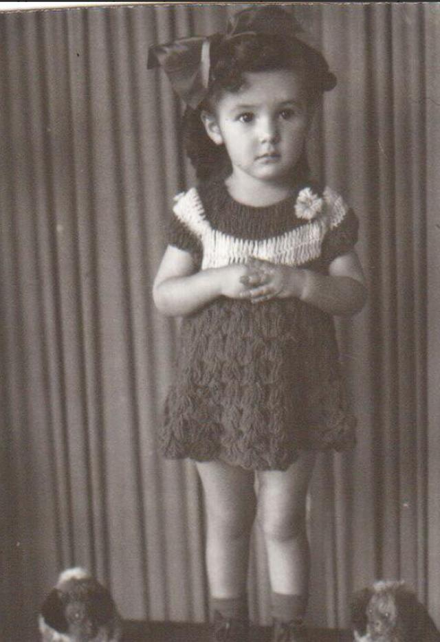Florinda Meza na infância (Foto: Reprodução/Twitter)