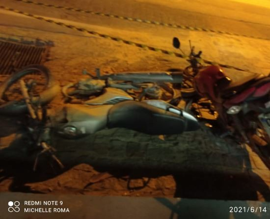 'Um deles pegou fogo', diz frentista sobre vítima de acidente entre motos que provocou explosão em SC
