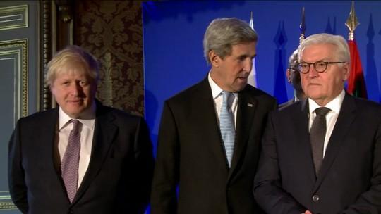 Kerry diz que ataques das forças sírias contra Aleppo seriam crimes contra humanidade