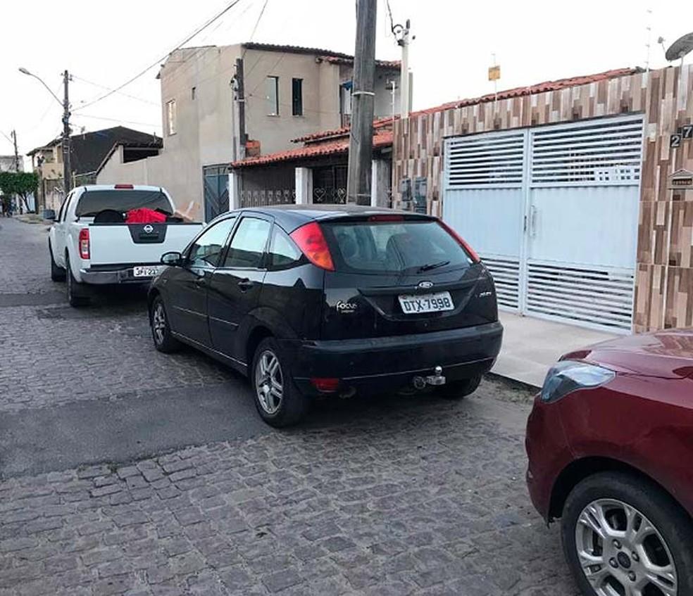 Carro onde estavam os equipamentos furtados em loja de Feira de Santana — Foto: Divulgação/SSP-BA