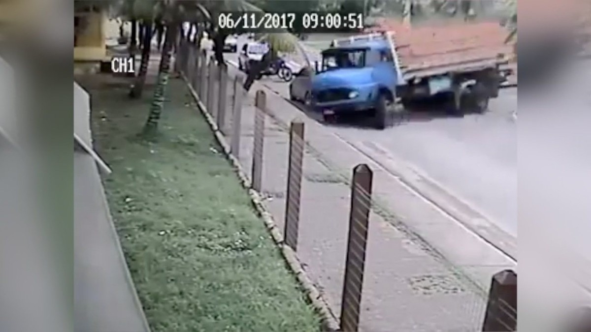 Vídeo mostra caminhão em alta velocidade atingindo escola em Iguaba Grande, no RJ