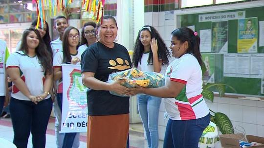 Medalha da Solidariedade: estudantes arrecadam mais de quatro toneladas de alimento
