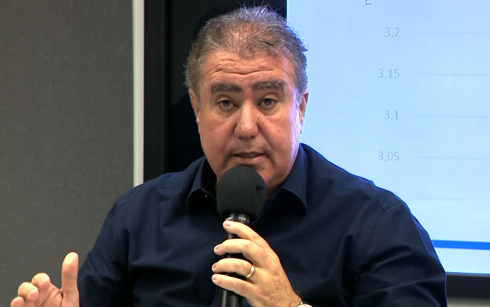 Prefeitos dizem que pronunciamento de Bolsonaro tenta 'eximir o presidente de suas atribuições de chefe de Estado'