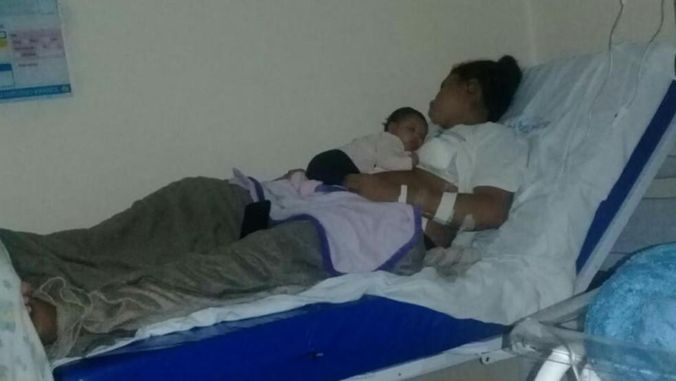 Dona de casa pede indenização após ter gaze esquecida no abdômen em cesárea na Santa Casa de São Carlos — Foto: Arquivo Pessoal