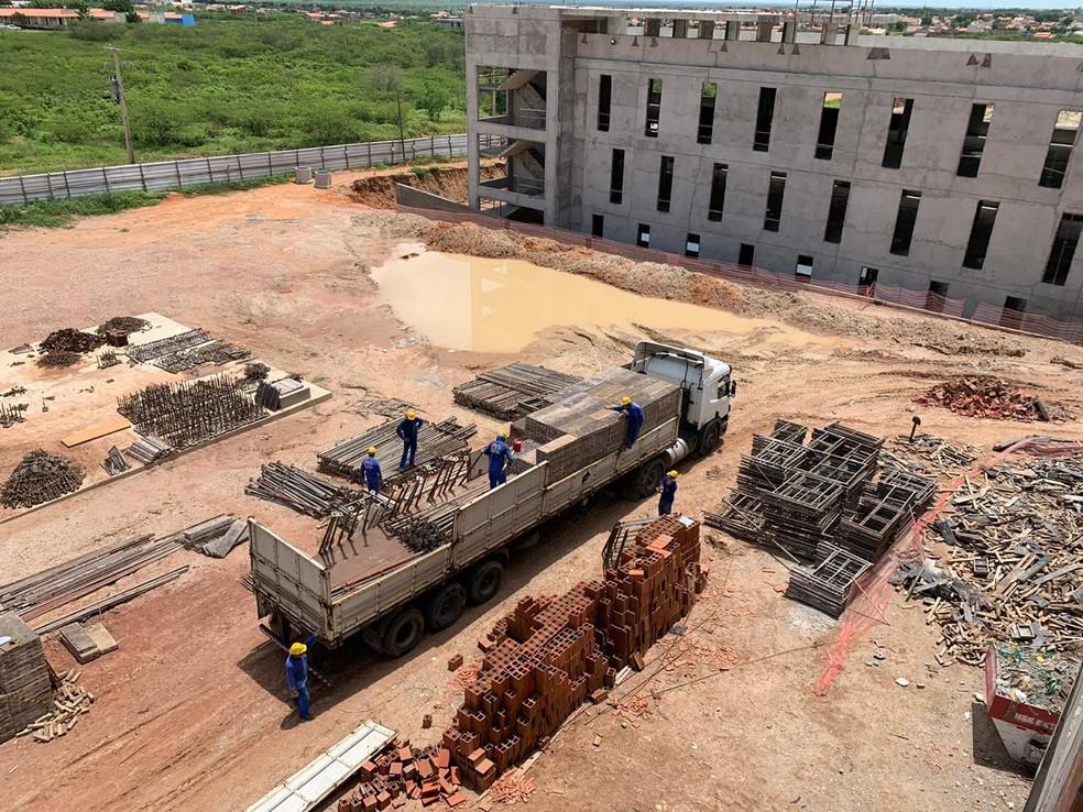 Obras do Hospital da Mulher, em Mossoró, serão reiniciadas a partir de novo investimento — Foto: João Vital