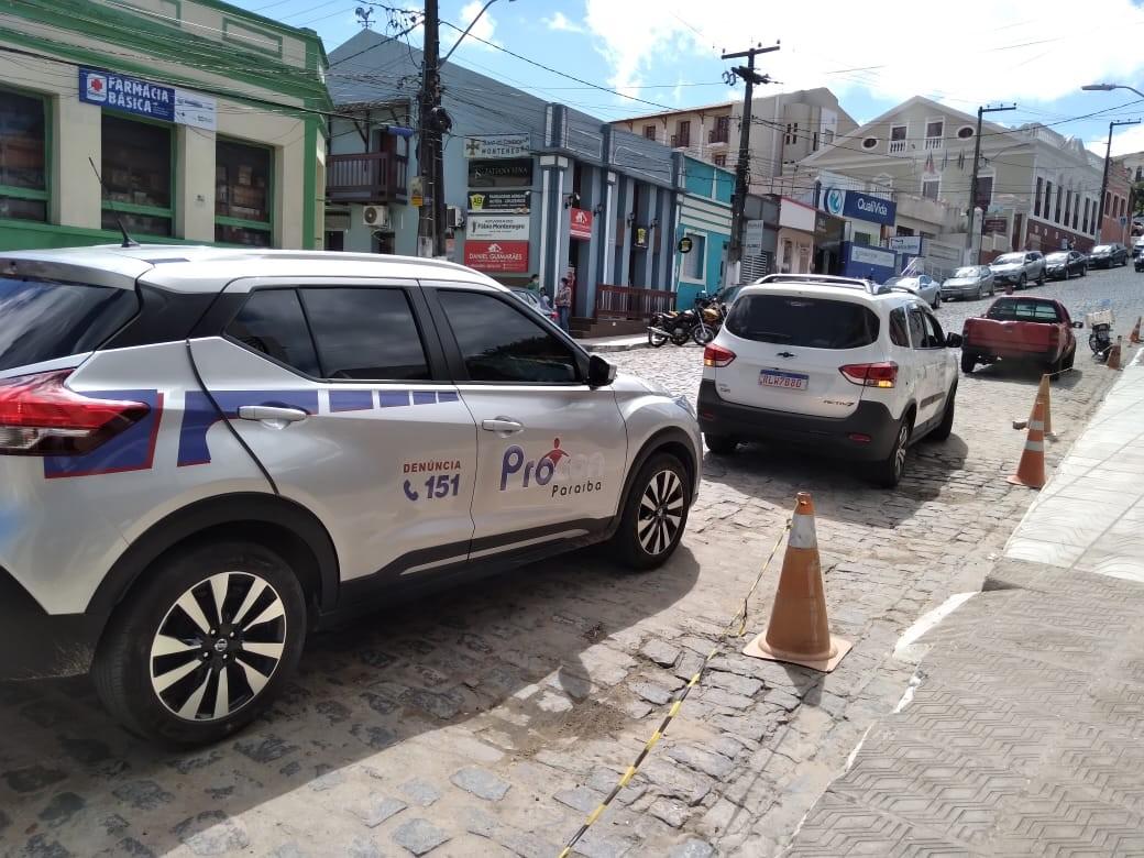 Operação do Procon fiscaliza 97 estabelecimentos e autua 12 no interior da Paraíba