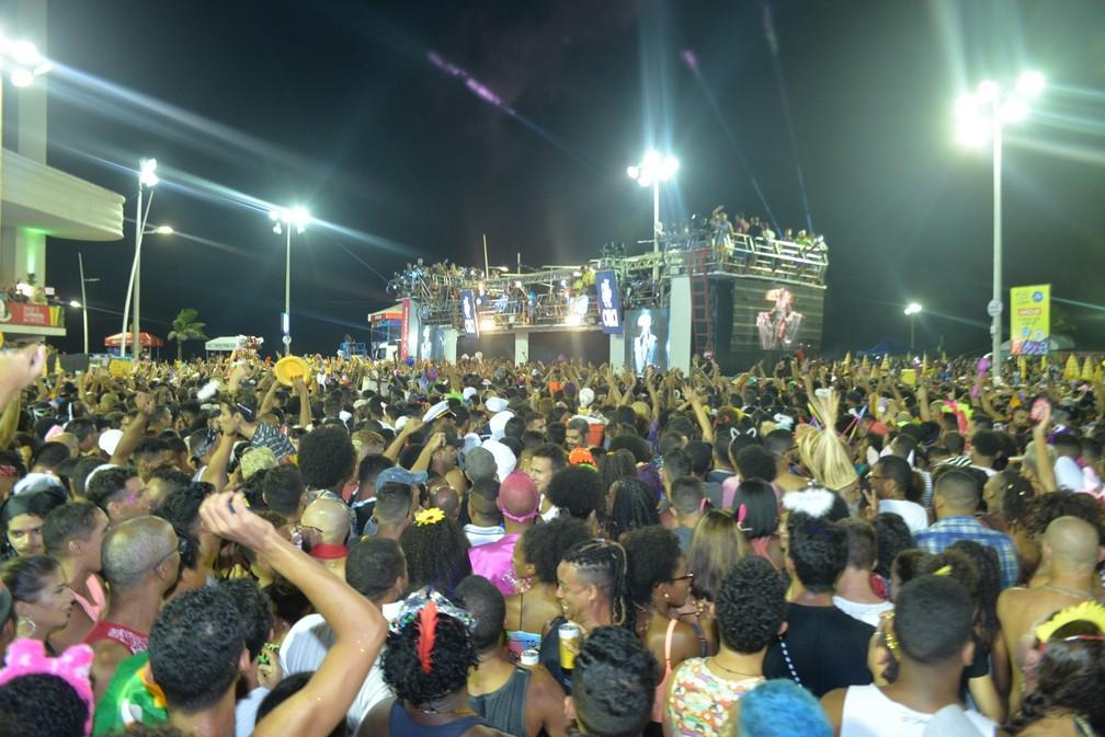 Pablo Vittar arrasta multidão na Barra — Foto: Joilson César/Ag. Haack