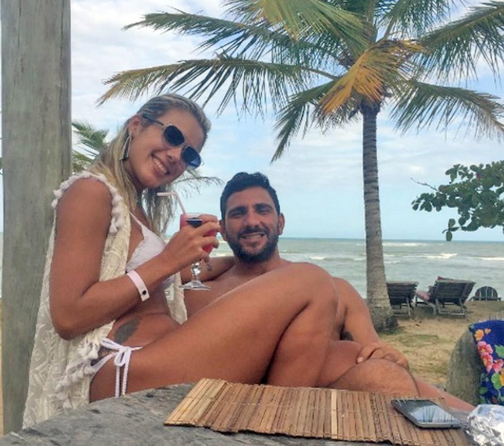 Júlia Lotufo com Adriano da Nóbrega em foto de arquivo sem data — Foto: Reprodução