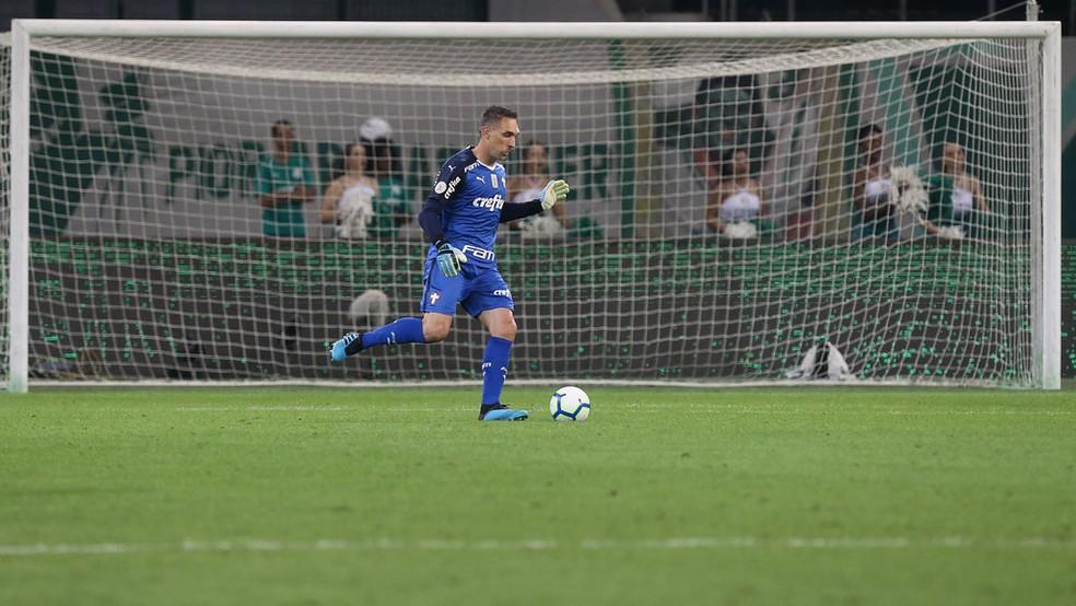 Fernando Prass em ação na vitória do Palmeiras sobre o Fluminense — Foto: Cesar Greco/Ag. Palmeiras
