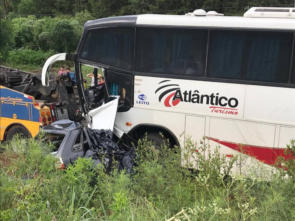 Acidente deixou 4 mortos em Carazinho (RS) — Foto: Mateus Rodighero/RBS TV