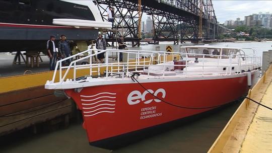 UFSC desenvolve veleiro de 20 m para pesquisas, capaz de navegar em águas rasas