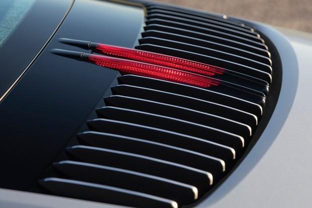 Brakelight segue as ranhuras verticais da ventilação (Foto: Divulgação)