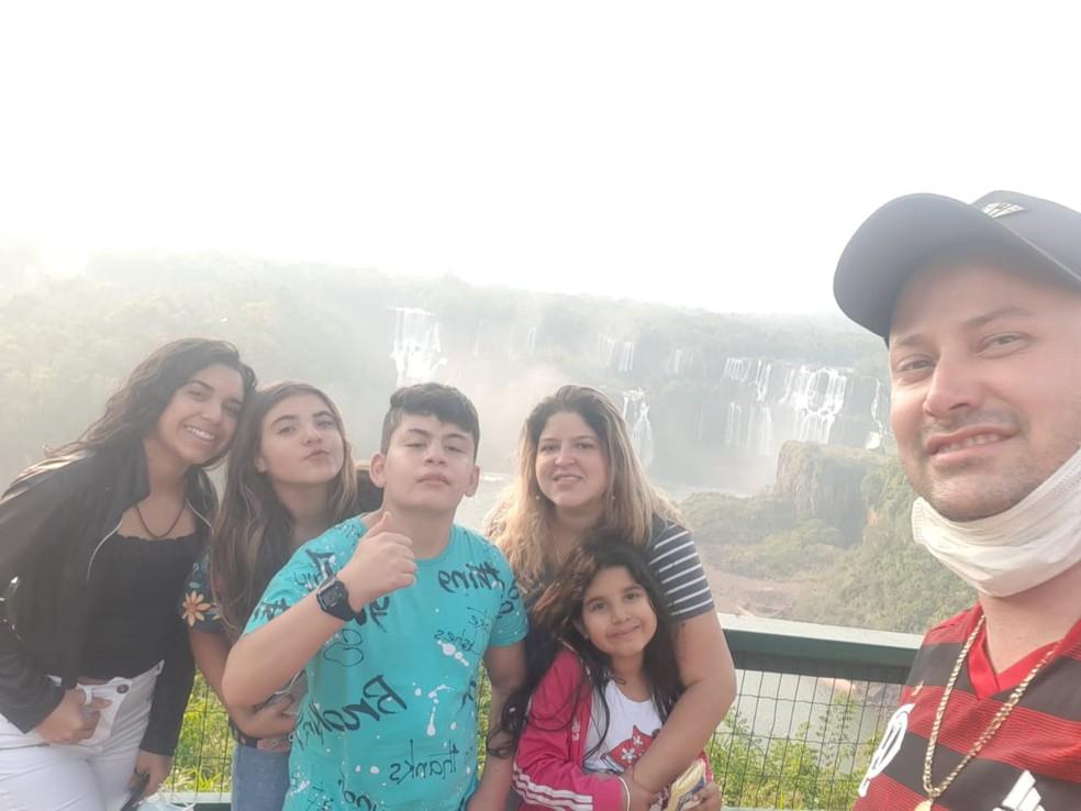 A família em um dos poucos passeios durante a pandemia — Foto: Thaisa Fonseca/Arquivo pessoal