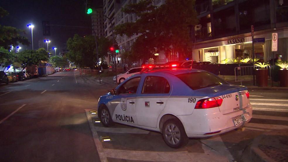 ... Policiamento foi reforçado em Ipanema após série de arrastões que  aterrorizou cariocas e turistas (Foto 4473cf33e7b7e