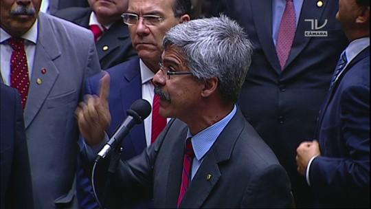 Deputado Luiz Sérgio (PT-RJ) anuncia voto