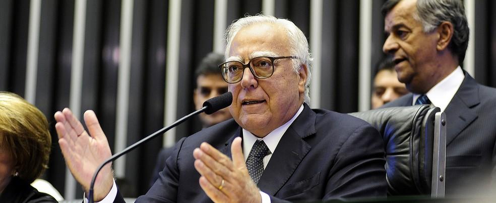 O deputado Miro Teixeira (PROS-RJ) durante cerimônia na Câmara — Foto: Gustavo Lima/Câmara dos Deputados