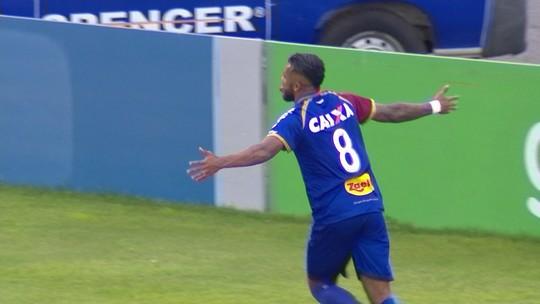 Com Paraná na lanterna, Alex Santana faz gol e mita no Cartola na rodada do fim de semana