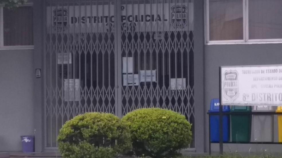 8º D.P. fica no bairro Portão (Foto: Carolina Wolf/RPC)
