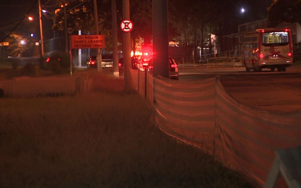Local das obras do BRT, na Avenida John Boyd Dunlop, em Campinas (SP) — Foto: Reprodução/EPTV