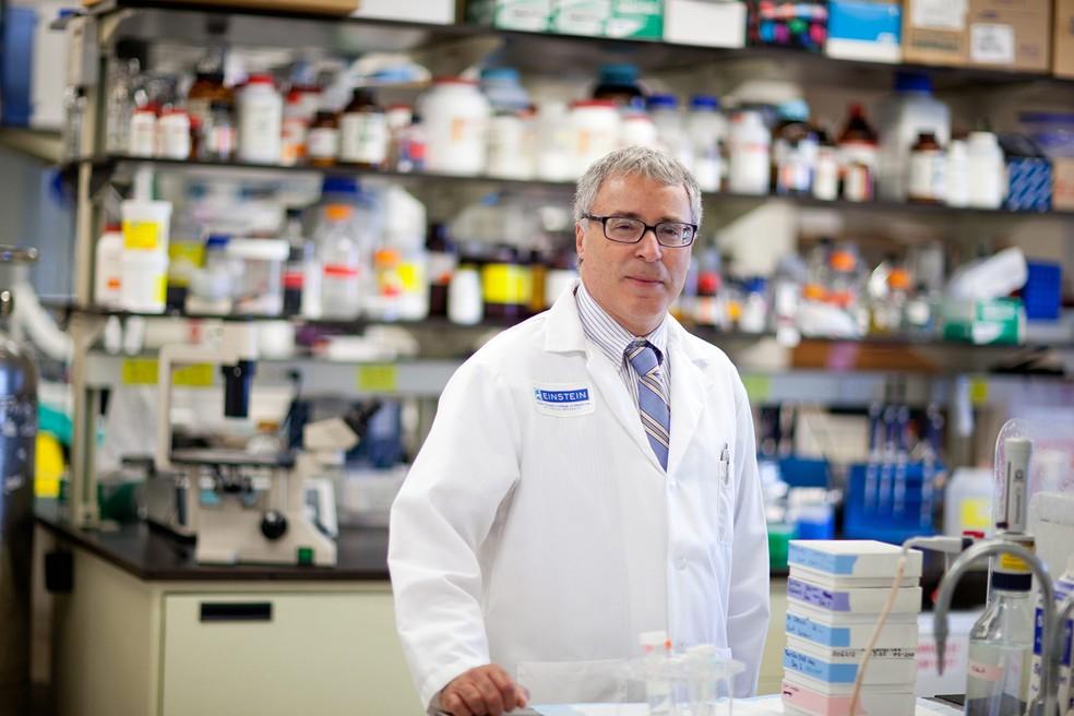 O médico e pesquisador Nir Barzilai, do Albert Einstein College of Medicine, que se dedica a estudar centenários — Foto: Divulgação