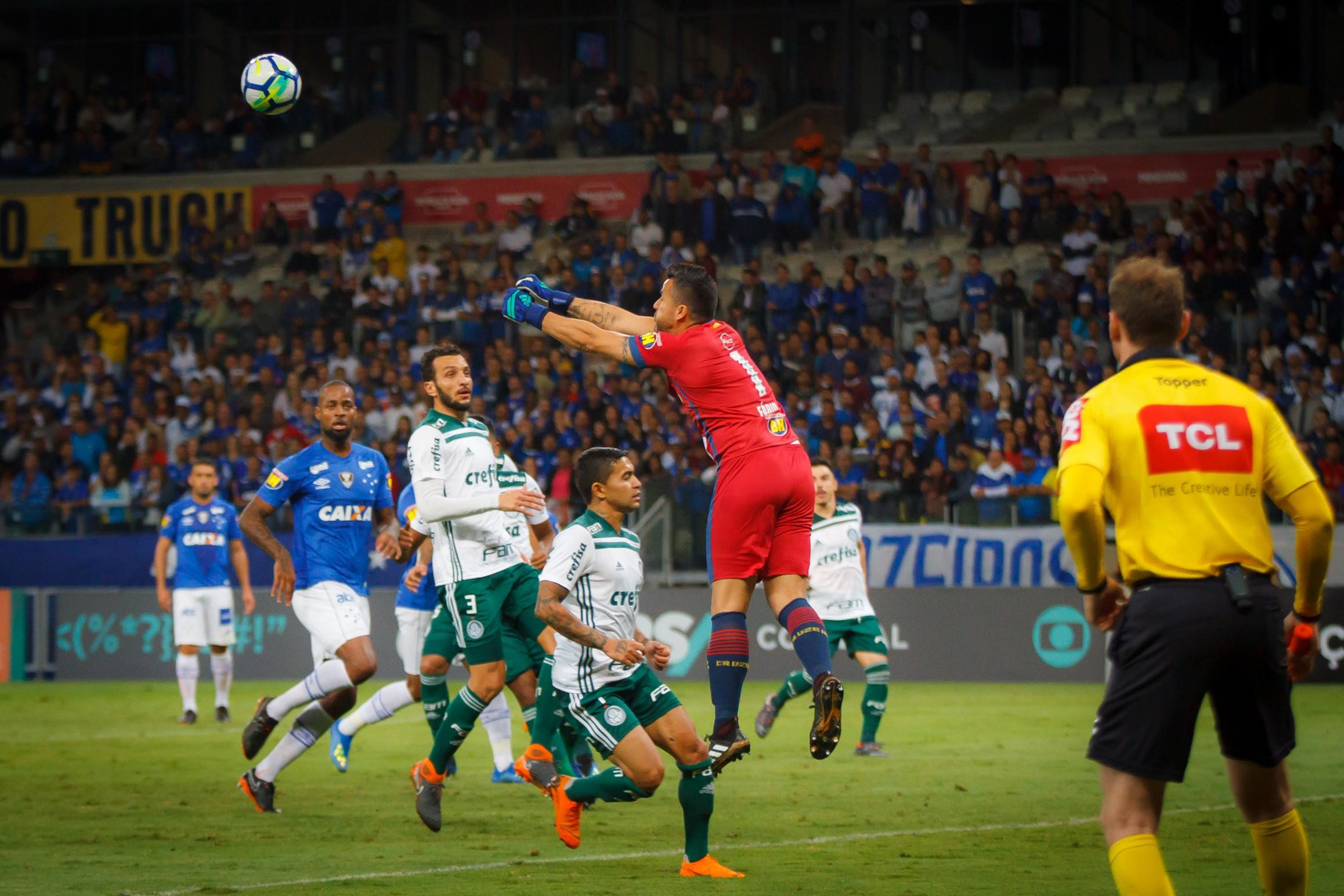Os sobreviventes: Palmeiras e Cruzeiro vencem calendário e são os únicos brasileiros em três torneios